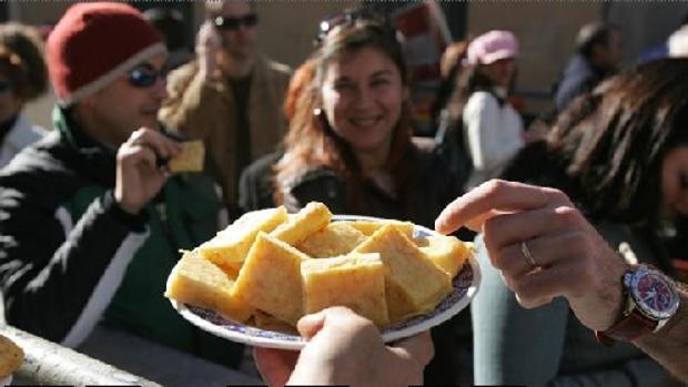 Cádiz restringirá las barras en Carnaval tras intoxicación del pasado año