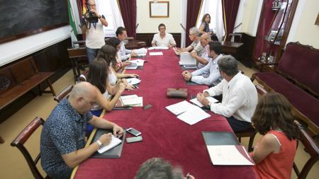 Reunión de la comisión de remunicipalización.
