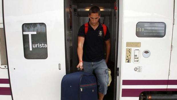 Adif adjudica la adecuación de las líneas de alta tensión de la línea Sevilla-Cádiz