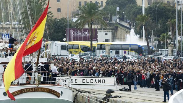 El objetivo es convertir la salida y entrada del buque Elcano en Cádiz en un acontecimiento de relevancia cultural y social