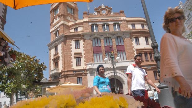 Sede de Correos en la plaza de las Flores de Cádiz