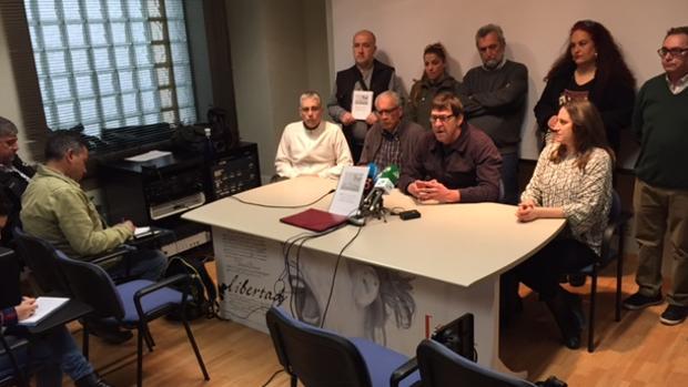 Los parados de Cádiz ponen deberes a los políticos