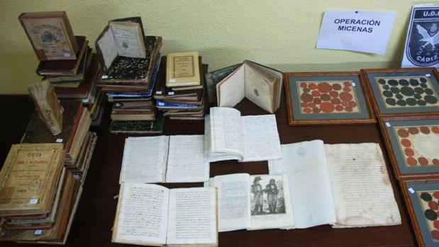Condenado a dos años de prisión por robar libros de la Biblioteca Celestino Mutis de Cádiz