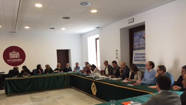 Reunión de la Mesa por el Empleo con los representantes políticos de Cádiz