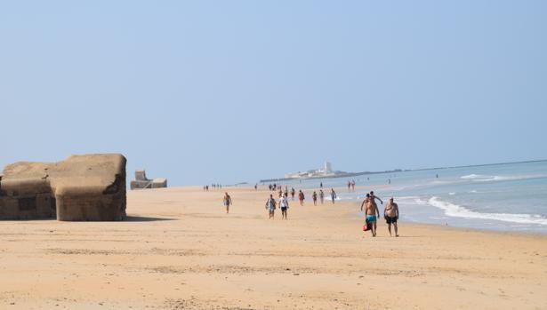 Los búnkeres de la playa de Camposoto se encuentran en riesgo de «derrumbe»
