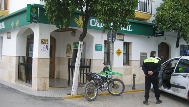 Denuncian el «grave deterioro» de las condiciones laborales de la Policía Local de Puerto Serrano