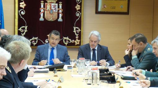 El delegado del Gobierno en Andalucía, Antonio Sanz, en la reunión para coordinador el dispositivo de seguridad