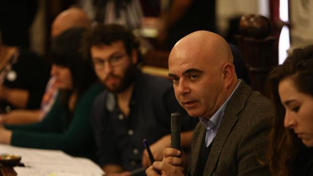 David Navarro, en el punto de mira de los grupos de la oposición.