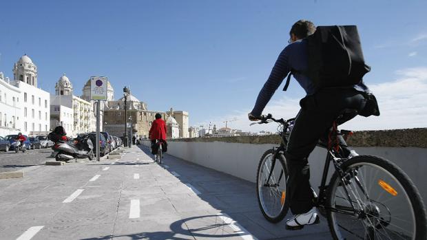 López estima que en octubre podrán comenzar las obras del tramo de extramuros del Carril Bici