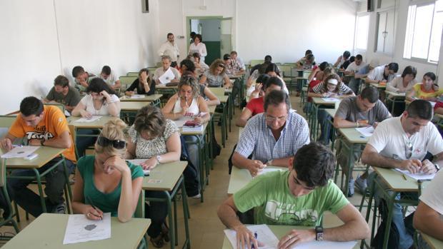 Examen para mayores de 18 años en Cádiz.