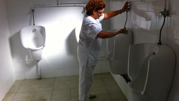 CC OO tacha de «incoherente» a UGT por no firmar el convenio de la limpieza de Cádiz