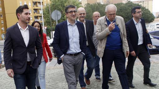 Patxi López se dejó ver por Algeciras y El Puerto el pasado abril