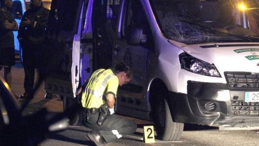 Los cuerpos de seguridad investigan el accidente. EFE