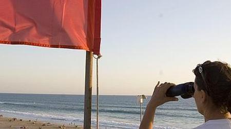 La bandera roja prohíbe aún el baño en El Palmar