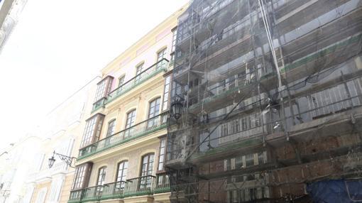Rehabilitación de fachadas en plena calle Ancha