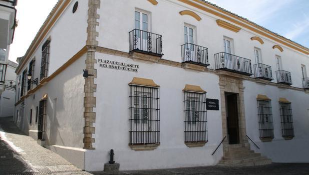 Una imagen de la fachada del hotel Medina Sidonia