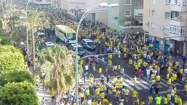 El subdelegado pide al Ayuntamiento que condene los incidentes previos al Cádiz-Tenerife
