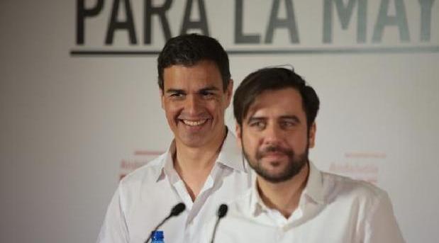 Sánchez y González, en Cádiz, durante la campaña de las municipales de 2015