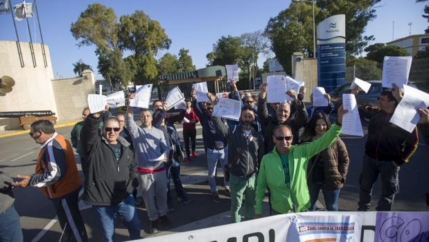 El astillero de San Fernando reclama en la calle carga de trabajo