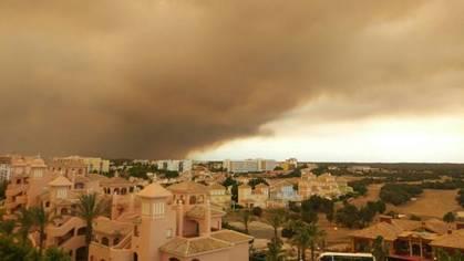 Las cenizas del incendio de Doñana causan la alarma en Cádiz