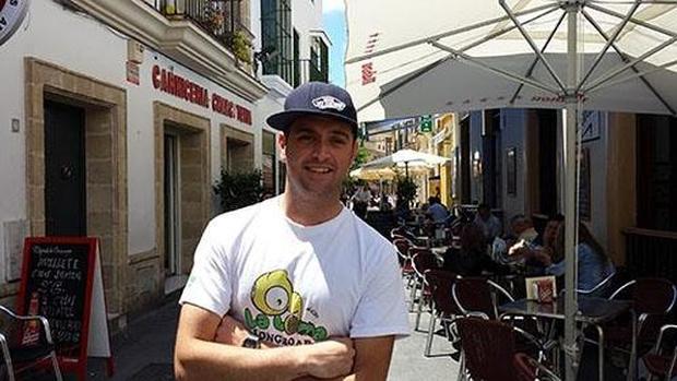 Alberto Castrelo antes de comenzar su aventura en bici en el verano de 2015