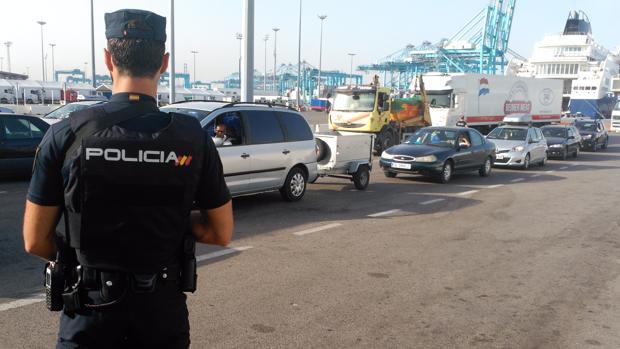 Arranca la operaci n minerva 2017 en los puertos de - Policia nacional algeciras ...