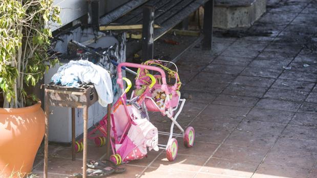 El carrito de juguete de la niña fallecida en el incendio del Palmar