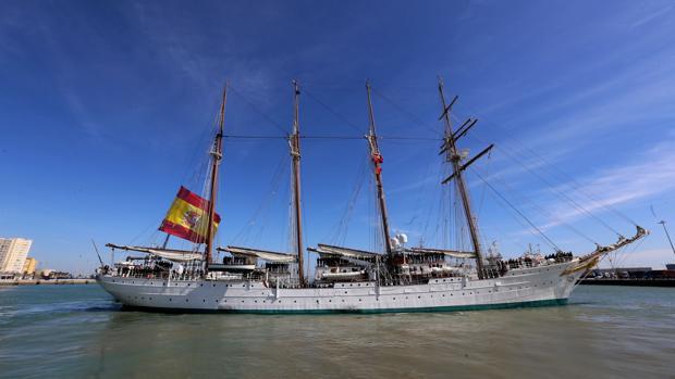 Elcano en el puerto de Cádiz.