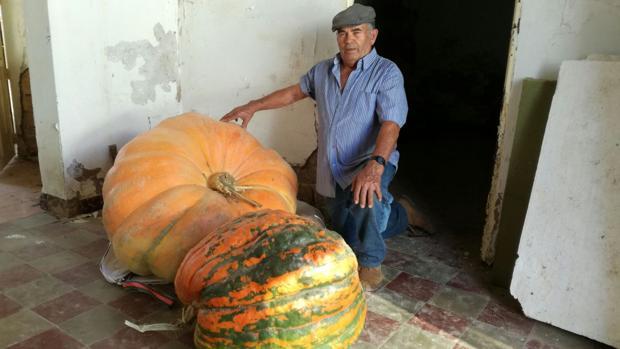 El agricultor con la calabaza
