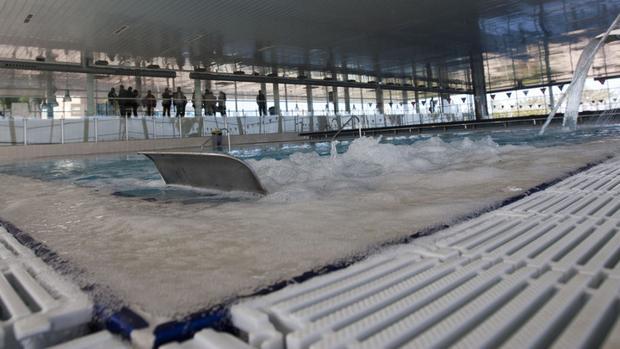 El agua de la piscina de Astilleros servirá para limpiar las calles