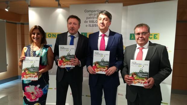Los directores de la ONCE de Algeciras, Andalucía, Cádiz y Jerez presentan la memoria 2016.