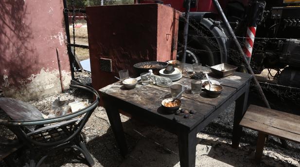 Los trabajadores se disponían a cenar en el momento de la deflagración.