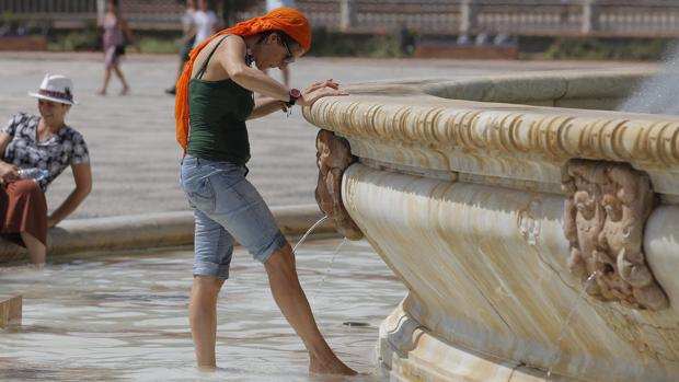 Los centros sanitarios públicos de Sevilla han atendido este verano 74 casos de golpes de calor