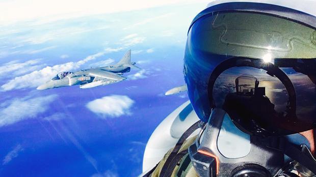 Los pilotos de la Flotilla de Aeronaves se preparan a conciencia para este aniversario.