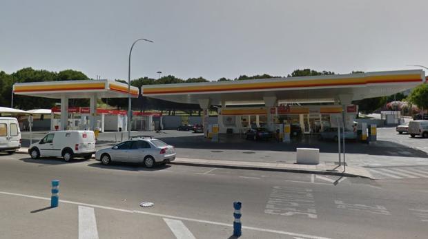 Un encapuchado atraca con un destornillador una gasolinera de Jerez