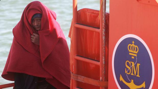 Inmigrante rescatado por Salvamento Marítimo