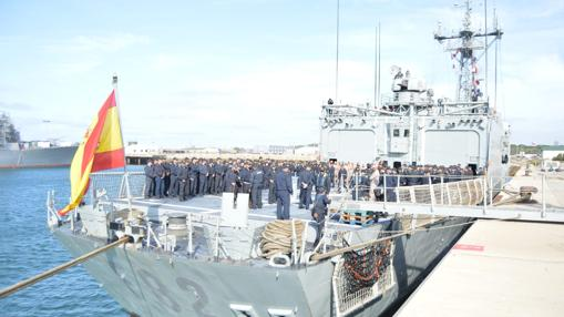 Regreso de la fragata Victoria tras la operación 'Sophia'