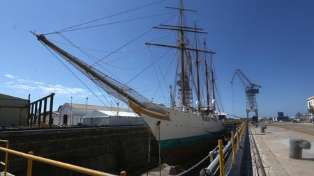 El buque está siendo sometido a reparaciones en Navantia-San Fernando.