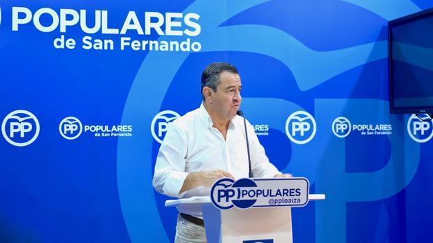 José Loaiza en la rueda de prensa.