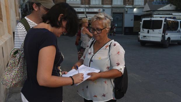 Las trabajadoras de los módulos llevan recogidas más de 2.000 firmas de apoyo.