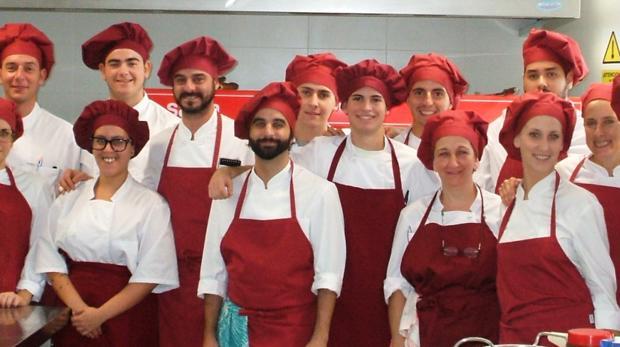 Alumnos de cursos anteriores en el Fernando Quiñones