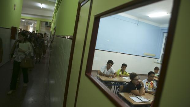 Primer día de clase de Formación Profesional y Secundaria en el Columela.