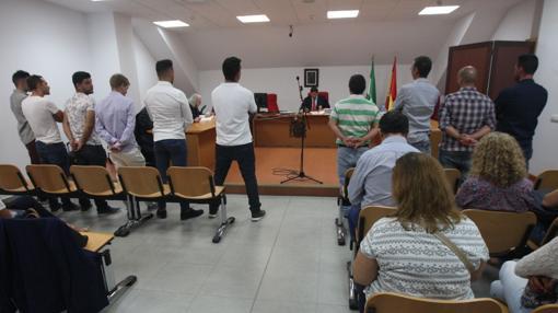 Los acusados, en el banquillo.
