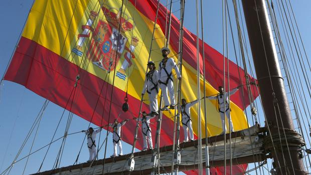 Formación de marineros en el buque escuela Juan Sebastián de Elcano.