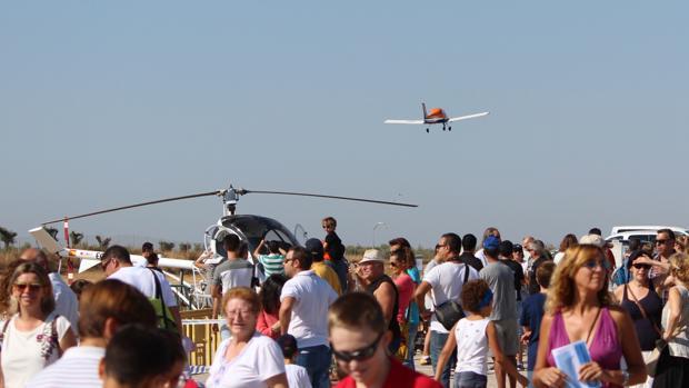 Unas siete mil personas se dieron cita en el aeródromo La Juliana