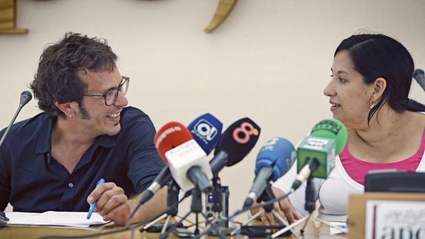 La concejal de Asuntos Sociales, Ana Fernández, está en el punto de mira de la oposición.