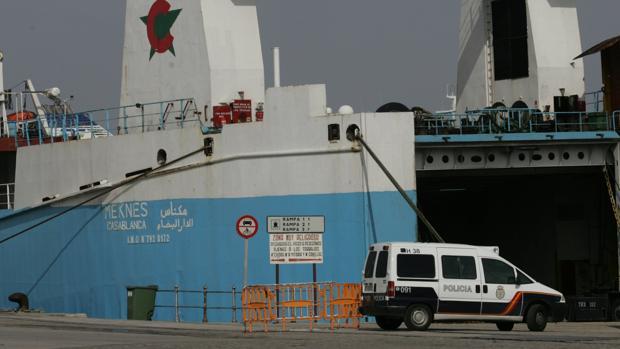 Imagen del carguero 'Meknes', parte de una de las últimas líneas estables de Mercancías entre Cádiz y Marruecos.