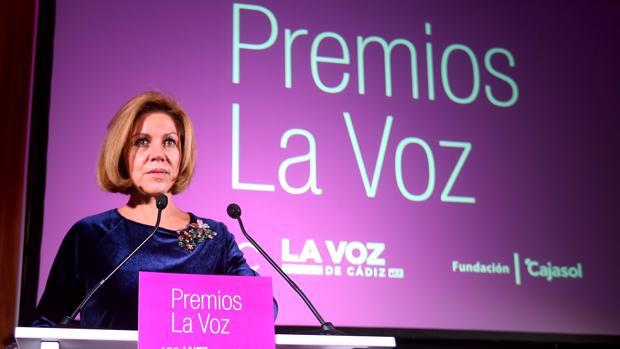 La ministra de Defensa, María Dolores de Cospedal, en la entrega de los Premios de LA VOZ de Cádiz 2017.