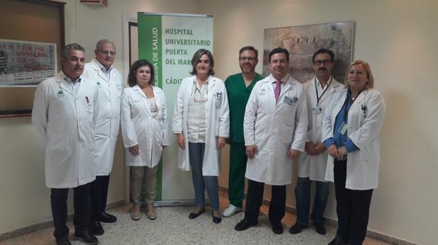 Equipo de profesionales del hospital Puerta del Mar.