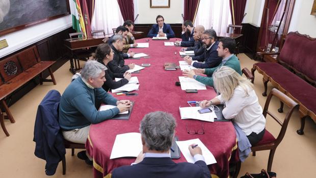 Se convocará una nueva reunión para responder las dudas de los grupos.